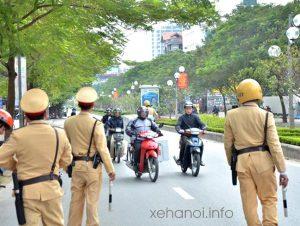 Cảnh sát giao thông dừng xe trong trường hợp nào? Thông tư mới nhất 2020